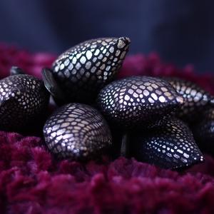 Ezüstösen csillogó exluziv tulipáncsokor, Otthon & Lakás, Dekoráció, Csokor & Virágdísz, Gyönyörű dísze lehet otthonunknak ez a soha el nem hervadó tulipán csokor, illetve szuper ajándék sz..., Meska