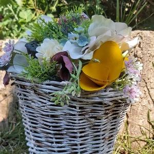 Tavaszi -nyári asztaldísz, dekoráció, anyáknapi ajándék / ajándék horgolt nyuszifüllel /, Otthon & Lakás, Dekoráció, Asztaldísz, Varrás, Mindenmás, Három  az egyben dekoráció!\nEgyedi ajándék, dekoráció.\nAjándéknak is adható a szeretettel fatáblával..., Meska