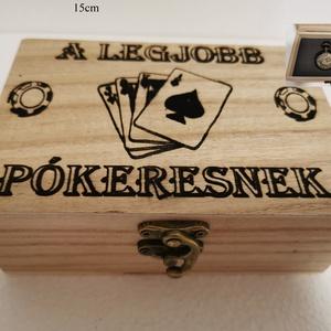 Pókeres ajándék doboz fából, egyedi, kézműves, Zsebórával, Otthon & Lakás, Dekoráció, Díszdoboz, Famegmunkálás, Egyedi, fából készült, pókeres doboz ajándék zsebórával.\n\nA doboz mérete: 15*10cm.\nA zsebóra átmérőj..., Meska