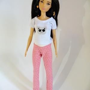 Barbie nadrág, Játék & Gyerek, Baba & babaház, Babaruha, babakellék, Varrás, Rózsaszín pöttyös barbie nadrág, finom puha anyagból.\nA póló külön megvásárolható.\nNézz körül a bolt..., Meska