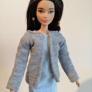 AKCIÓ Barbie kabát, Játék & Gyerek, Baba & babaház, Babaruha, babakellék, Varrás, Barbie kabát, akciós áron.\nNézz körül a boltomban, 9000 Ft feletti vásárlás esetén a postázás ingyen..., Meska