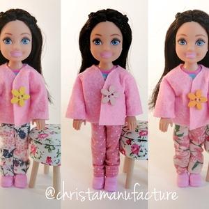 Barbie Chelsea ruha szett, Játék & Gyerek, Baba & babaház, Babaruha, babakellék, Varrás, Kabát és nadrág szett Barbie kishúga, Chelsea részére.\nMéretében a cipőket külön megveheted a boltom..., Meska