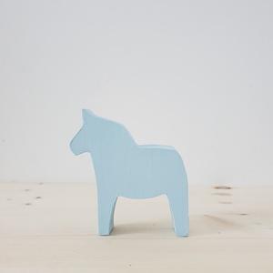 Dala ló, Dekoráció, Otthon & lakás, Játék, Gyerek & játék, Fajáték, Famegmunkálás, Festett tárgyak, Ez a fenyőfából készült lovacska a svéd kultúrából ismert Dala ló. A lovat a minimál stílus jegyében..., Meska