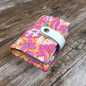 Kártyatartó narancs-rózsaszín, Táska & Tok, Pénztárca & Más tok, Kártyatartó & Irattartó, Varrás, Csodás narancssárga-rószaszín virágmintás praktikus kártyatartó.\nMax. 24 db bankkártya méretű plaszt..., Meska