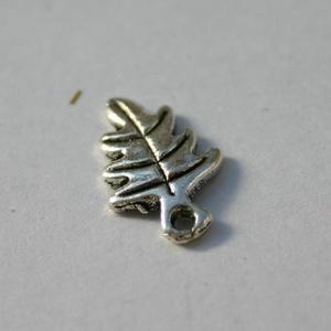 10 db Tibeti ezüst színű levél medál - Meska.hu