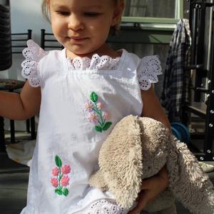 A vonalú madeirás kézzel hímzett  lányka ruha., Táska, Divat & Szépség, Gyerekruha, Ruha, divat, Gyerek & játék, Gyerek (1-10 év), Hímzés, Varrás, A vonalú madeirás  kézzel hímzett lányka ruha. 74-146-os méretig készítem., Meska