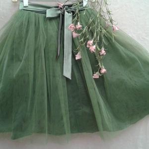 Női tüll szoknya, Esküvő, Táska, Divat & Szépség, Esküvői ruha, Ruha, divat, Női ruha, Varrás, Női tüll szoknya 2-3 réteg tüllel, derekán patenttal szabályozható a bősége. \nMéretre készítem  bárm..., Meska