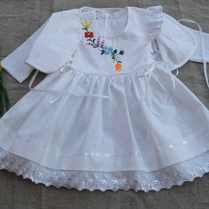 Kézzel hímzett lányka ruha boleróval, Ruha & Divat, Ruha, Babaruha & Gyerekruha, Hímzett lányka ruha, kétoldalt fűzővel szabályozható a bősége.74-128 méretig készítem. , Meska