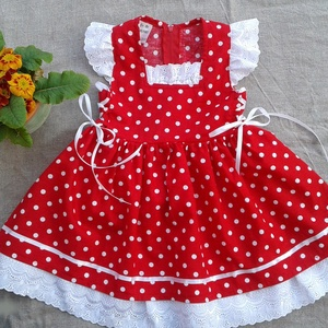 Piros pöttyös lányka ruha, Táska, Divat & Szépség, Magyar motívumokkal, Ruha, divat, Gyerekruha, Gyerek (1-10 év), Varrás, Hímzés, Piros pöttsös lányka ruha, kétoldalt fűzővel szabályozható a bősége.80-128-as méretig készítem...., Meska