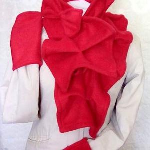 Piros masnis sál kesztyű szett  kámzsa körsál masni, Táska, Divat & Szépség, Sál, sapka, kesztyű, Ruha, divat, Sál, Kesztyű, Varrás, Piros polár sál kesztyű szett masnival\n\nPiros meleg polárból készítettem ezt a nőiesen elegáns sál-k..., Meska