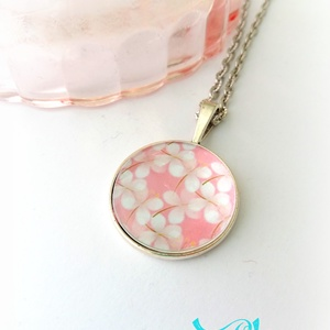 Tavaszi virágos nyaklánc japán cseresznyevirág , Ékszer, Nyaklánc, Medálos nyaklánc, Ékszerkészítés, Meska