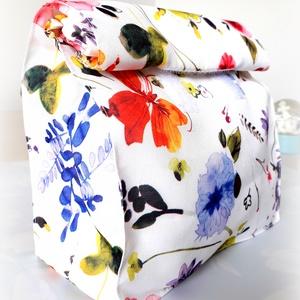 Uzsonnás zsák, vízhatlan, virágos, uzsonna csomagoló, Lunch bag, Shopper, textiltáska, szatyor, Bevásárlás & Shopper táska, Táska & Tok, Varrás, Virágos, vízhatlan uzsonnás zsák, Lunch bag\n\nFehér alapon virágos mintás, kívülről  és belülről is v..., Meska