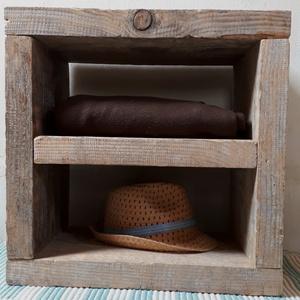 Pulantó, Pad, Bútor, Otthon & Lakás, Újrahasznosított alapanyagból készült termékek, A Balaton- felvidék épületfáiból újragondolt bútorok.\nA hatvanas évek.\nTároló és szék egyben.\nMérete..., Meska
