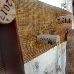 Fulfuns, Otthon & lakás, Bútor, Polc, Famegmunkálás, A Balaton-felvidék épületfáiból készült polc.\n\nMérete:\n25x20cm, Meska