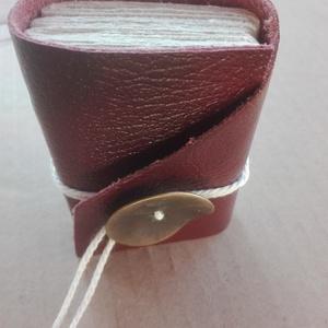 Bourdieu, Otthon & Lakás, Papír írószer, Jegyzetfüzet & Napló, Bőrművesség, Papírművészet, Jegyzetfüzet.\n\nMéret:\n6x8cm\nOldalak száma:\n160, Meska