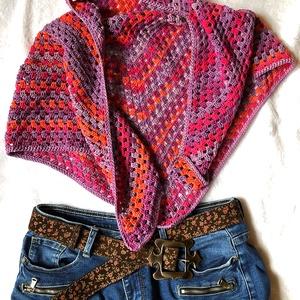 Batik kendő, Táska, Divat & Szépség, Ruha, divat, Kendő, Horgolás, Alize fonalból készült horgolt batik kendő, szép színes átmenetes, pink-narancs-lila színvilágú.\n\n\nS..., Meska