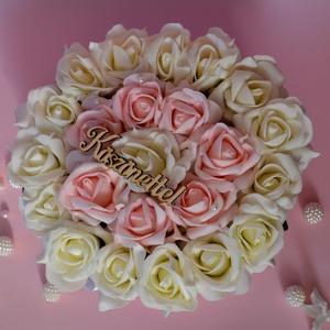 Köszönet Nagy Virágbox , Asztaldísz, Dekoráció, Otthon & Lakás, Virágkötés, Romantikus puderrózsaszín és fehér habrózsából készült ez a csodás kerek nagy virágbox. Gyöngyökkel,..., Meska