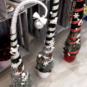 Fehér grincs manó fa, Dísztárgy, Dekoráció, Otthon & Lakás, Virágkötés, Édes manó grincs fa. Sokáig szép ünnepi zöldként díszítheti otthonodat a grincs vesszőből készült ki..., Meska