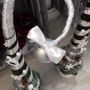 Fehér grincs manó fa, Karácsonyi dekoráció, Karácsony & Mikulás, Virágkötés, Édes manó grincs fa. Sokáig szép ünnepi zöldként díszítheti otthonodat a grincs vesszőből készült ki..., Meska