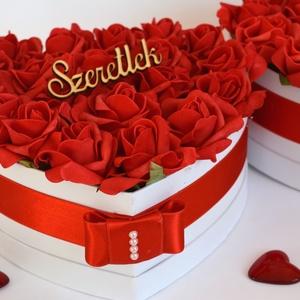 Örök Szerelem Szív Virág box, Szerelmeseknek, Ünnepi dekoráció, Dekoráció, Otthon & lakás, Esküvő, Esküvői dekoráció, Lakberendezés, Virágkötés, Tűzpiros  habrózsa nagy méretű szív box,Gyönyörűséges Szív formájú szívből jövő virágbox, piros szat..., Meska