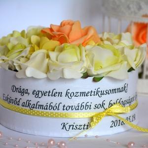 Szöveges Örök Virágbox, Lakberendezés, Otthon & lakás, Asztaldísz, Esküvő, Nászajándék, Virágkötés, Kedves szöveges üzenettel is kedveskedhetsz az ajándékozottnak a virágboxon túl. Más egyedi szöveges..., Meska