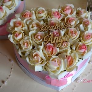 Szív box, Lakberendezés, Otthon & lakás, Esküvő, Meghívó, ültetőkártya, köszönőajándék, Asztaldísz, Virágkötés, Gyönyörűséges Szív formájú szívből jövő virágbox, több szál színátmenetes-pasztel rózsaszin élethű h..., Meska