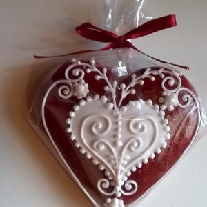 Szív , Édesség, Élelmiszer, Mézeskalácssütés, Mézeskalácsból készült szív. Piros-fehér, illetve fehér-natúr változatban készülnek. Ajánlom esküvőr..., Meska