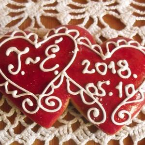 Kettős szív- esküvői vendégajándék, Esküvő, Meghívó, ültetőkártya, köszönőajándék, Esküvői dekoráció, Szerelmeseknek, Ünnepi dekoráció, Dekoráció, Otthon & lakás, Mézeskalácssütés, Mézeskalácsból készült egyedi tervezésű mintával,  díszített szív vendégajándék. Kiváló ajándék mind..., Meska