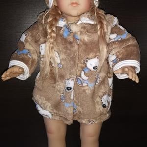50 cm-es játékbaba kabát hajpánttal ( macis ), Játék & Gyerek, Baba & babaház, Babaruha, babakellék, Varrás, 50 cm játékbaba ruha, kabát + hajpánt. Patenttal záródik, anyaga wellsoft. A baba és cipője nem tart..., Meska