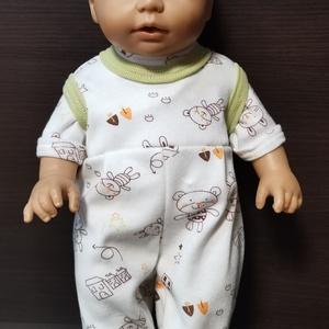 30-33 cm-es játékbaba rugdalózó pólóval ( macis, zöld ), Játék & Gyerek, Baba & babaház, Babaruha, babakellék, Varrás, Játékbaba ruha, rugdalózó pólóval : 30-33 cm-es játékbabára készült. A rugdalózó és a póló hátul té..., Meska