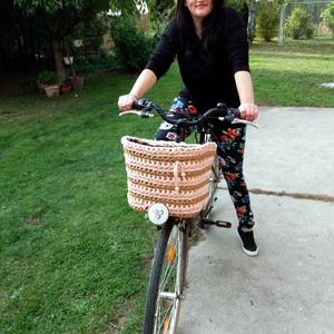 Biciklikosár takaró, horgolt kerékpárkosár díszítő., Otthon & Lakás, Dekoráció, Horgolás, Újrahasznosított pólófonalból horgoltam ezeket az egyedi kerékpárkosár díszítőket.\nMindenkinek, akin..., Meska