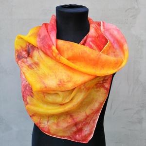 Őszi ragyogás batikolt hatású selyemkendő - Meska.hu
