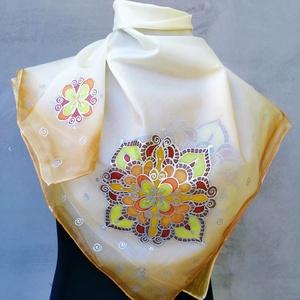 A galgóci tarsolylemez mintája inspirálta ezt a mandalás kendőt  - Meska.hu