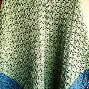 Poncsó, Poncsó, Női ruha, Ruha & Divat, Horgolás, Nagyon szép mintával készült horgolt  poncsó,mindenhez csak felkapod ruhadarab.\nAkryl +gyapju fonálb..., Meska
