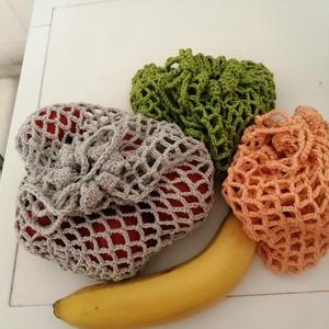 Gyümölcs+zöldség zsák, Táska & Tok, Bevásárlás & Shopper táska, Zöldség/Gyümölcs zsák, Környezetbarát horgolt zsák, 100% pamut fonálból. Praktikus, többször használható, 40 fokon mosható...., Meska