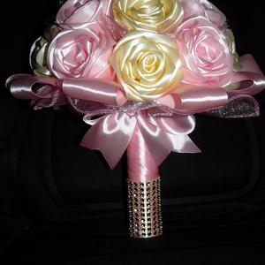 Szatén rózsacsokor, Otthon & Lakás, Dekoráció, Csokor & Virágdísz, Virágkötés, Szeretettel köszöntelek!\n\nSzalagrózsákból csokrot készítettem! \nNagyon szép egyedi, tartós ajándék l..., Meska