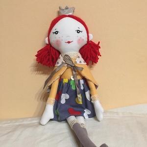 Molly királylány baba, Gyerek & játék, Játék, Játékfigura, Plüssállat, rongyjáték, Baba-és bábkészítés, Varrás, Egyedi, kézzel és géppel varrt baba. Igazi hurcolhatós, játszó és alvótárs. Arca hímzett, festett, h..., Meska
