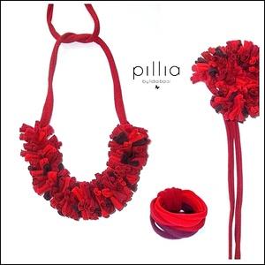 Vörös árnyalatú ALOHA textilékszer szett , Ékszer, Ékszerszett, Ékszerkészítés, Újrahasznosított alapanyagból készült termékek, Újrahasznosítható, rugalmas póló anyagokból készült a szett vörös színárnyalatokban.  A nyakbavaló ..., Meska