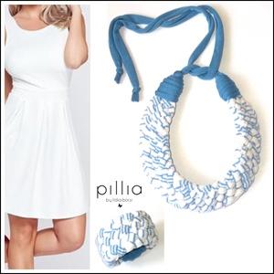 Fehér-kék MOSAIC textilékszer szett , Ékszerszett, Ékszer, Ékszerkészítés, Újrahasznosított alapanyagból készült termékek, Újrahasznosítható, rugalmas textilből készült a szett. \nA nyaklánc hosszúsága a megkötővel tetszőleg..., Meska
