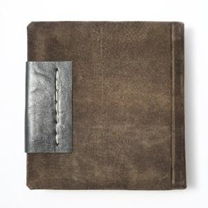 Eliot - notesz, napló, emlékkönyv - barna velúr bőr 16x16 cm  - 365 - Meska.hu