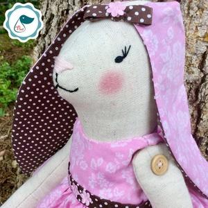 Nyuszilány - egyedi kézműves gyerekjáték - különleges - gyerekjáték - játék & gyerek - plüssállat & játékfigura - nyuszi - Meska.hu