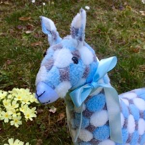 Láma - egyedi tervezésű játék - kézműves textiljáték - gyerekjáték - állatfigura (Pindiart) - Meska.hu