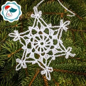 Egyedi horgolt hó pihe-  karácsonyfa dísz - karácsonyi ajándék - Ablak dísz, Karácsony & Mikulás, Karácsonyfadísz, Csipkekészítés, Horgolás, Egyedi horgolt hó pihe.\nmérete:10 cm plusz akaszto, Meska