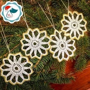 Egyedi 4db horgolt arany,fehér hópihe -  karácsonyfa dísz - karácsonyi ajándék - Ablak dísz, Karácsony, Karácsonyfadíszek, Karácsonyi lakásdekoráció, Csipkekészítés, Horgolás, Meska