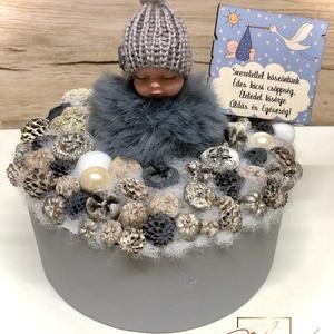 Fiús baba köszöntő ajándék, Otthon & Lakás, Lakberendezés, Virágkötés, Ha babalátogatóba készülsz és szeretnél valami maradandó ajándékot vinni a megszületett kis csöpségn..., Meska