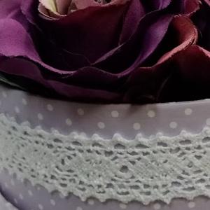 Lila pöttyös dobozban lila rózsásdoboz (PinkPoppy) - Meska.hu