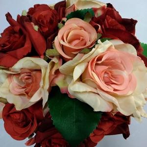 Bordó-rózsaszín menyasszonyi csokor, Esküvő, Esküvői csokor, Dekoráció, Otthon & lakás, Lakberendezés, Virágkötés, Bordó és rózsaszín selyem rózsákból készült romantikus csokor. A csokor szára beige organzával van b..., Meska