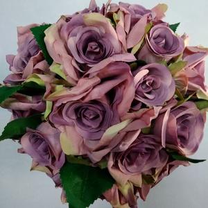 Lila rózsás menyasszonyi csokor, Esküvő, Esküvői csokor, Dekoráció, Otthon & lakás, Lakberendezés, Virágkötés, Lila selyem rózsákból készült romantikus csokor. A csokor szára beige organzával van betekerve és eg..., Meska