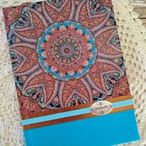 Türkizkék csipkemintás napló, Otthon & Lakás, Jegyzetfüzet & Napló, Papír írószer, Dekupázs technikával készült notesz, emlékkönyv, vagy napló. Mérete: 20.5 x 14,6 (A5) A kemény fedel..., Meska