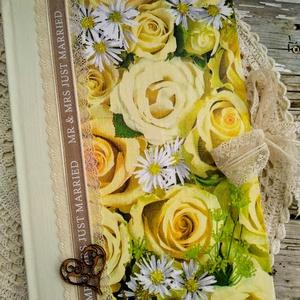 Sárga rózsás esküvői vendégkönyv, Esküvő, Meghívó, ültetőkártya, köszönőajándék, Naptár, képeslap, album, Otthon & lakás, Dekoráció, Decoupage, transzfer és szalvétatechnika, Könyvkötés, Dekupázs technikával készült esküvői vendégkönyv, emlékkönyv.\nMérete: A4, 21 x 29,7\nA kemény fedelű ..., Meska
